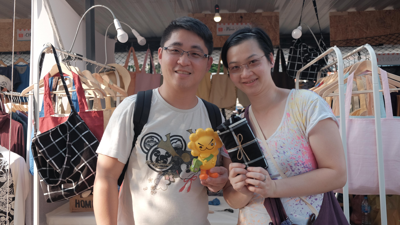 ชาวฮ่องกงก็มาอุดหนุนน้าาาาา^^ Thank you for your support.. . รุ่นสามสายมาใหม่ค่า^^