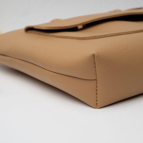 กระเป๋าถือหนังเทียม หูสั้นทรงเหลี่ยมแบน มีซิป